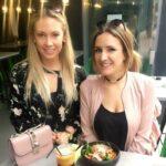Die Foodblogger Ramona Pfaff(links) und Anna Noé (rechts) bei der Arbeit.