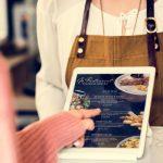 Eine digitale Speisekarte kann dir in der Gastronomie zahlreiche Vorteile bieten. Wir zeigen dir, was du darüber alles wissen musst